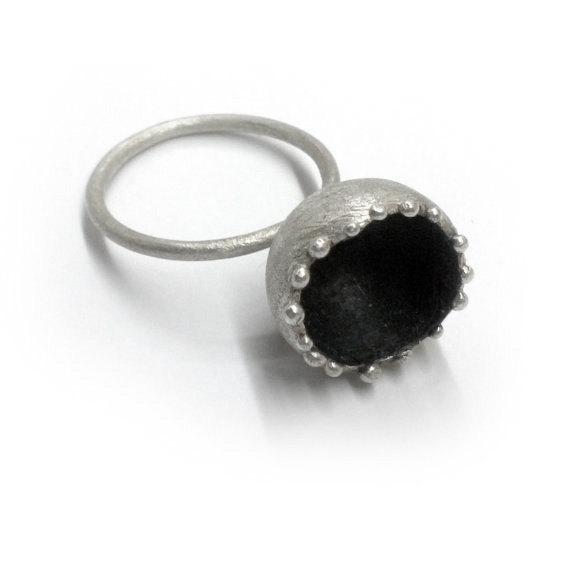 Sterling silver handmade ring. Oxidized Hand Sculpted. Metalwork. de applenamedD