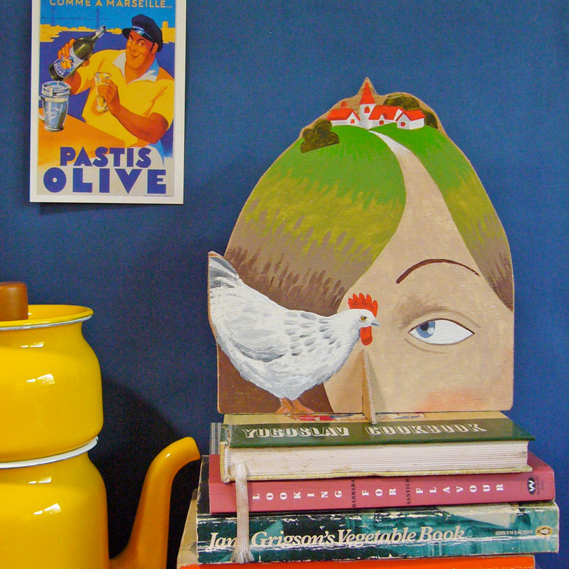 OOAK Hand painted plywood sculpture - Lady with Village on her Head and a chicken de Sandra Eterovic