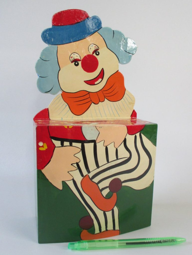 Bank, Vintage Clown Wooden, Red Green Orange Blue, Save Money, Thrifty Financial Savings Nursery Playroom Decor Child's Room Circus Decor de HobbitHouse