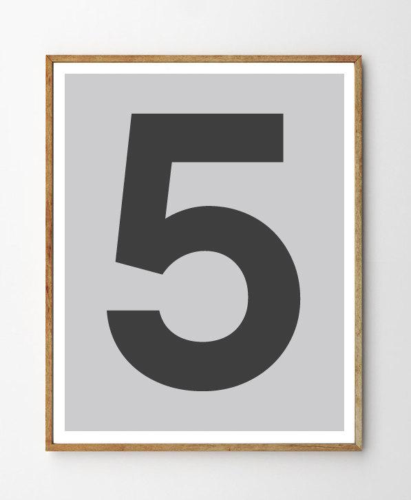Number 5 Modern Typography Art Print - Instant Download. Number Five Poster. Scandinavian Style Minimalist Black & Grey Printable Wall Art. de ILKADesign