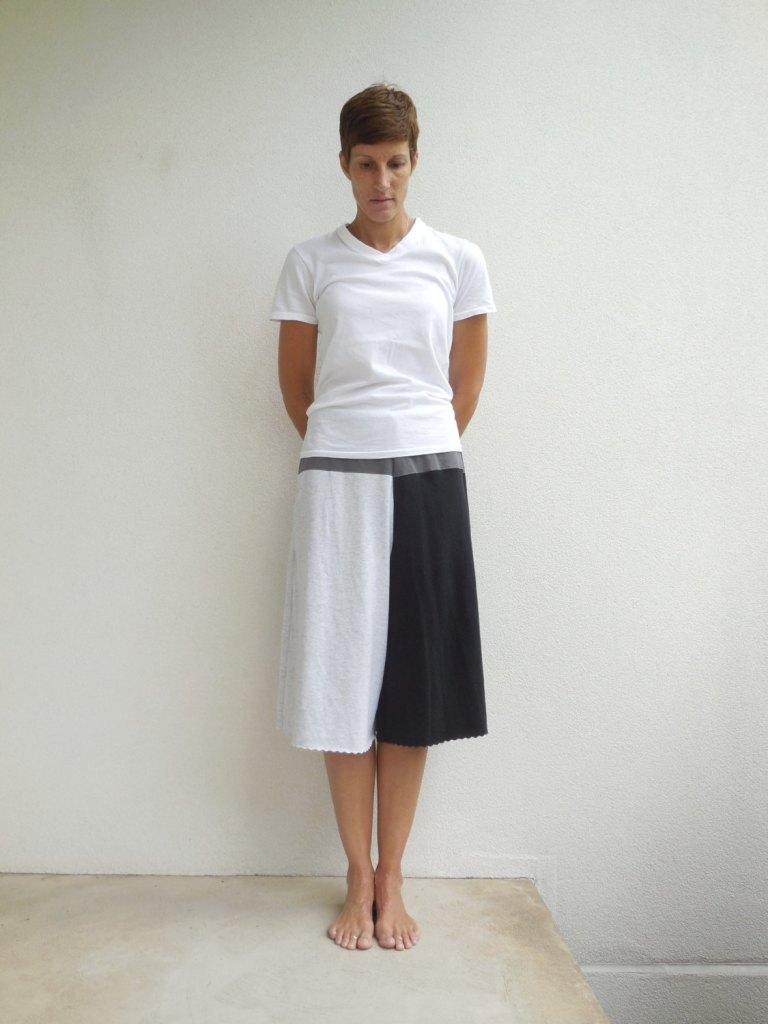 T-Shirt Cropped Pants Womens Culotte Pants Capris Pants Black Gray Cotton Pants Casual Pants Handmade Pants Eco Chic Summer Pants de ohzie