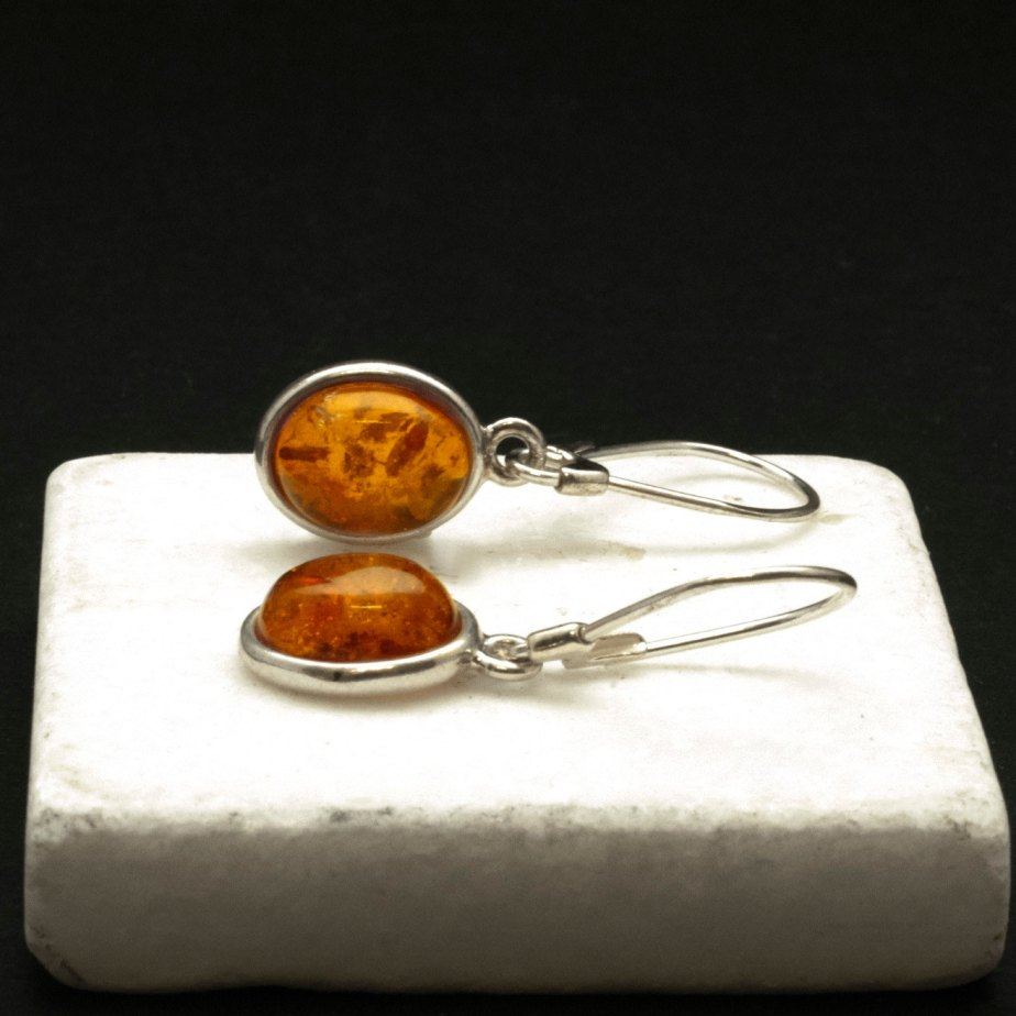 Amber Earrings, Sterling Silver and Natural Baltic Honey Amber Dangle Earrings, Simple Everyday Gemstone Earrings for Her, Amber Jewelry de SunSanJewelry