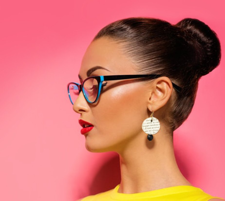 Paper earrings, book paper dangle earrings and black pearls, book paper jewelry, black and white earrings de AlfieriJewelDesign