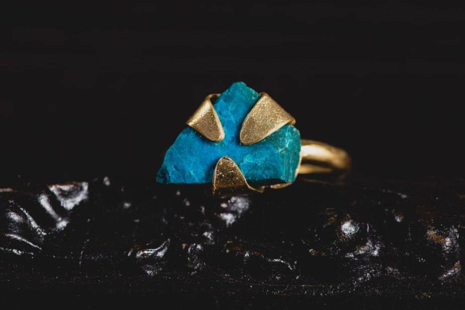 Raw Chrysocolla Ring-14 K Gold Plated Chrysocolla Ring-Sterling Silver Gemstone Rings-Raw Stone Jewellery-Unique Rings de MarrenJewelry