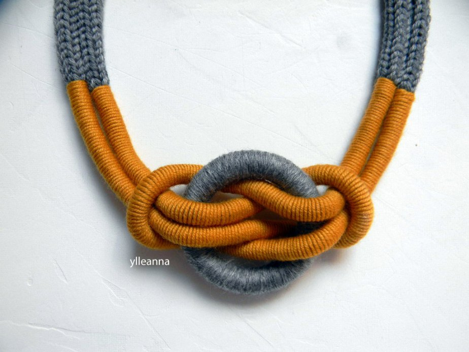 Statement necklace - Wool necklace - Minimalist jewelry - Tweed light grey, saffron yellow - Gift for woman. de ylleanna