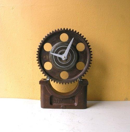 Desk Clock, Metal Clock, Gear Clock, Table Clock, Steampunk Clock, Industrial Clock, Junk Clock, Manly Clock, Mantel Clock, Executive Clock de PaulaArt