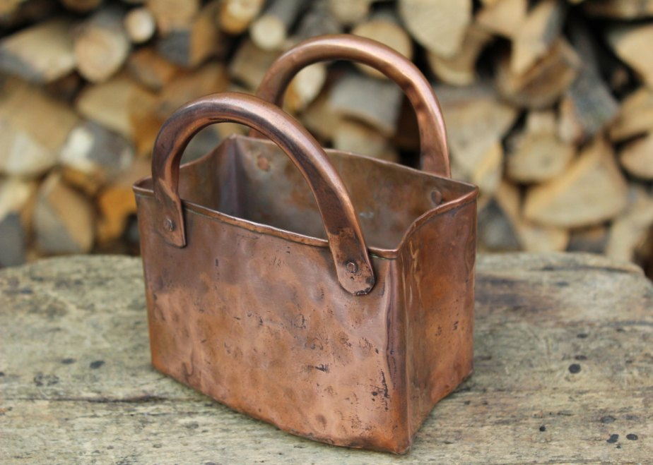 Copper handcrafted handbag storage jar de LaCasadelRame