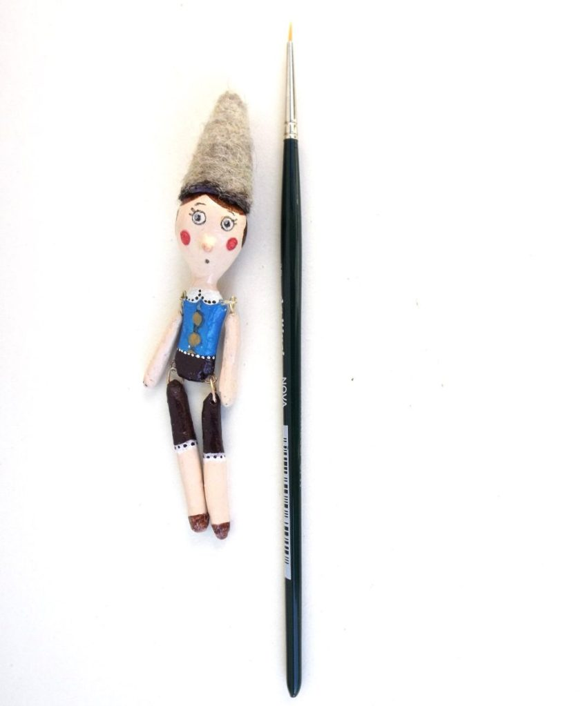 Pinocchio paper clay mini articulated art doll, ooak marionette miniature, graduation gift italian puppet sculpture, Christmas tales toy de Pupillae