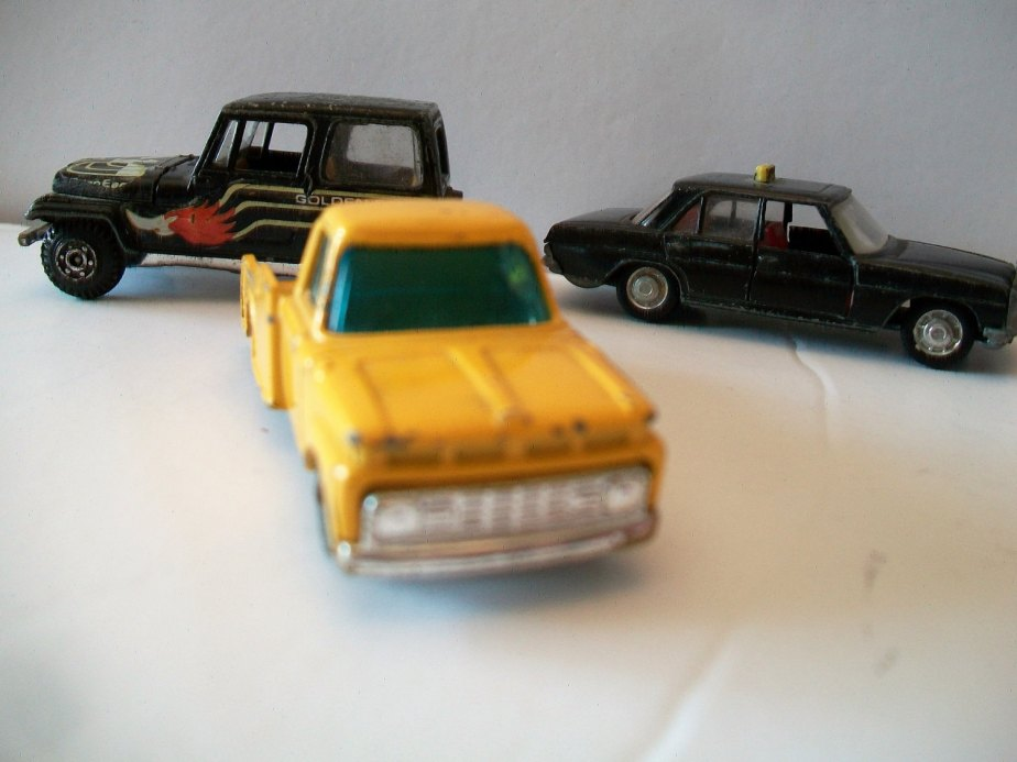 Vintage Husky Mettoy Diecast 1960s Yellow Ford F-350 Pickup Truck Camper special 1:64 Scale de ALEXLITTLETHINGS