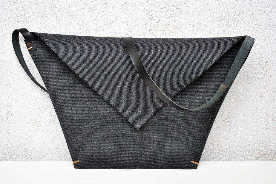 Minimalist canvas bag, leather canvas purse, crossbody bag, envelope wallet, origami bag de InconnuLAB