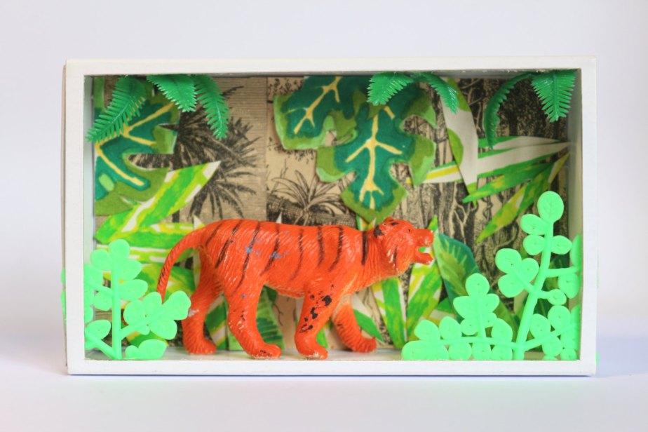 Art box:Shadow box,petit diorama pièce unique réalisé dans une boite d'allumette.Le tigre.16