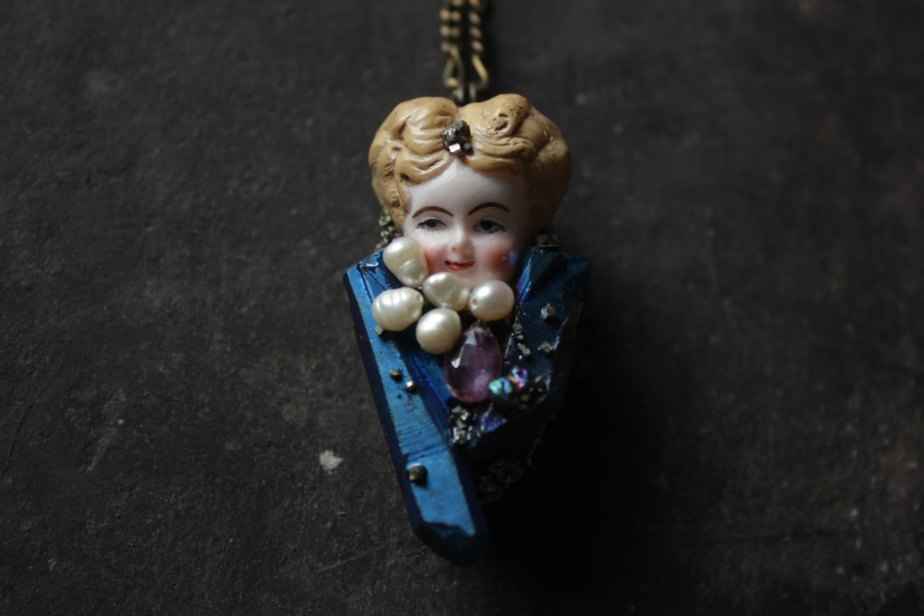 antique doll necklace,Antique locket necklace,Assemblage jewelry,frozen charlotte doll jewelry,Assemblage necklace,victorian locket necklace by xuanqirabbit