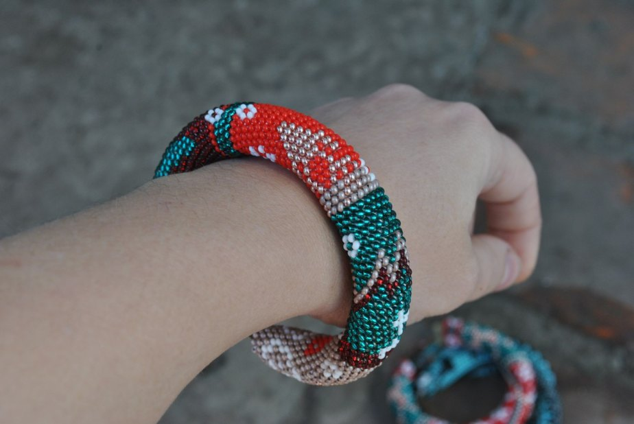10% OFFChristmas charm bracelet Christmas Bracelet Beaded Bracelet Beads Roll Bracelet Bead Bracelet Seed Bead Bracelet Crochet Bracelet by BdwrShop